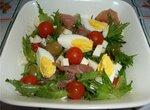 Салат с пармской ветчиной солониной домашней.