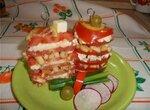 Салат «Башенки» из томатов с маринованной брынзой