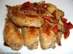 Крылышки куриные в винно-овощном соусе