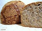Хлеб смешанный с семечками, семенами льна и кунжутом
