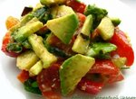 Салат из авокадо с заправкой Цезаря