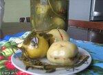 Соленые зеленые помидоры по-грузински, фаршированные зеленью