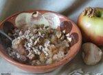 Салат из топинамбура с яблоком и орехами