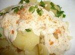 Картофель с соусом из красной икры камбалы
