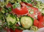Салат овощной с соусом «Салатный дзадзыки»