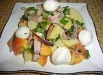 Теплый салат из картофеля с персиком