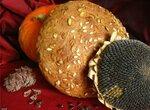 Хлеб ржаной семечко-ореховый на сыворотке.
