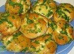 Закусочные булочки с чесноком