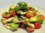 Салат из свежих шампиньонов и авокадо