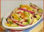 Салат из фасоли с авокадо и красным луком