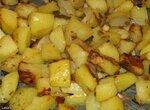 Картошка с луком, кореньями и тимьяном в духовке