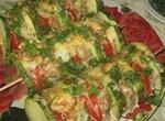 Шашлыки из кабачков с мясным фаршем и помидорами