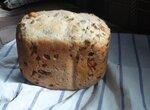 Белый хлеб с сыром, луком и укропом