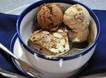 Воскресный завтрак: ржаная шарлотка с антоновкой и два вида мороженого с баклажаном