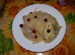 Курочка с  квашеной капустой и картофелем в духовке