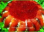 Салат новогодний с семгой и красной икрой
