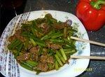 Мясо с побегами чеснока по-китайски (в мультиварке)