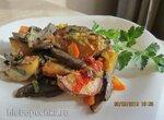 Картофельное жаркое с грибами и луком пореем