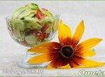 Летний салат с молодыми кабачками