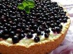 Творожный пирог с черной смородиной