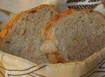 Хлеб простой пшеничный с луком, семечками тыквы на грибном отваре