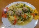 Бигос из квашенной капусты с фрикадельками в мультиварке Bork U700