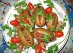Печеный картофель, фаршированный грибами и перцем
