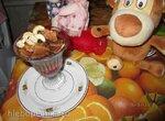 Крем брюле с ягодами и вафлей