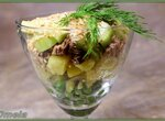 Салат из курицы, картофеля и горошка