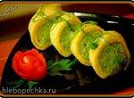 Яичный ролл с пастой из сливочного сыра и брокколи