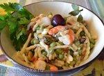 Паста «наоборот» с зеленым горошком и морепродуктами