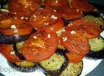 Баклажаны с помидорами жареные