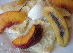 Равиоли (вареники) десертные с карамелизированными фруктами и сливочным соусом