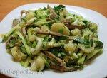Салат с говяжим  языком и цветной капустой
