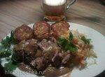 Тушеная свинина с кислой капустой и клецками (Hofer Schweinepfeffer  mit Sauerkraut und Klоеben)