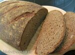 Цельнозерновой пшеничный хлеб на ржаной закваске