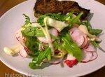 Салат из редиса и молодого кабачка