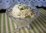 Лёгкий салат из корня сельдерея с зелёным луком
