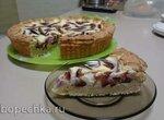 Пестрый сливовый пирог на творожном тесте