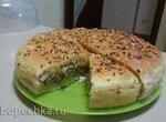 Быстрый дрожжевой пирог с сайрой и рисом