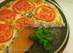 Тарт из песочного теста с творожно-сырной начинкой, помидорами и базиликом