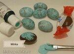 Голубые яйца дрозда