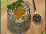 Чиа–пудинг с манго и апельсиновым соком