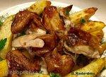 Цыплята-корнишоны, запеченные в пряных травах с чесноком и молодым картофелем (Delonghi MultiCuisine)