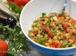 Яркий салат с нутом и запеченными овощами