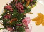 Тальята из говяжей вырезки сувид с базиликом из персиками