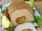 Свинина, фаршированная яблоками и киви