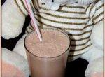 Коктейль молочный Шоколадный из МcDonald`s (блендер–суповарка Vitek VT-2620)