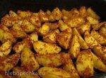 Картофель, запечённый в панировочных сухарях со специями