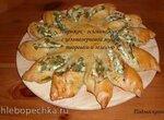 Пирожок-осьминожик с цельнозерновой мукой, творогом и зеленью